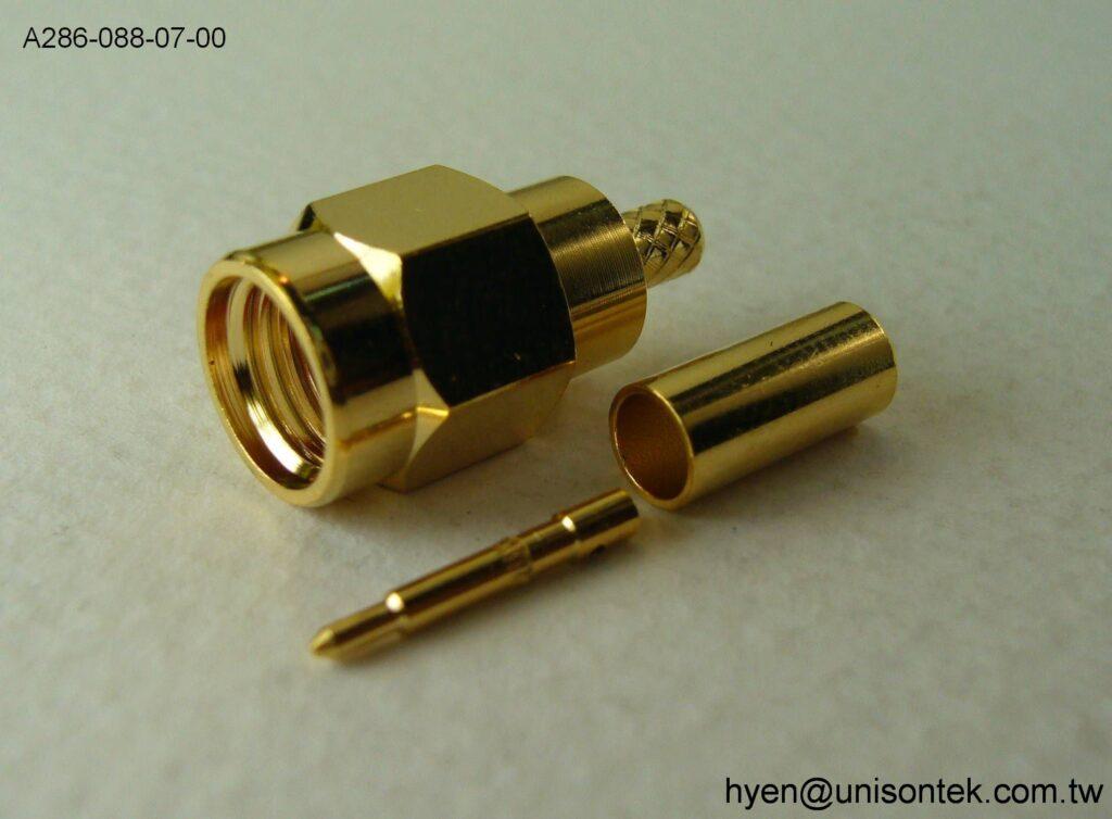 SMA004-PLUG for RG174