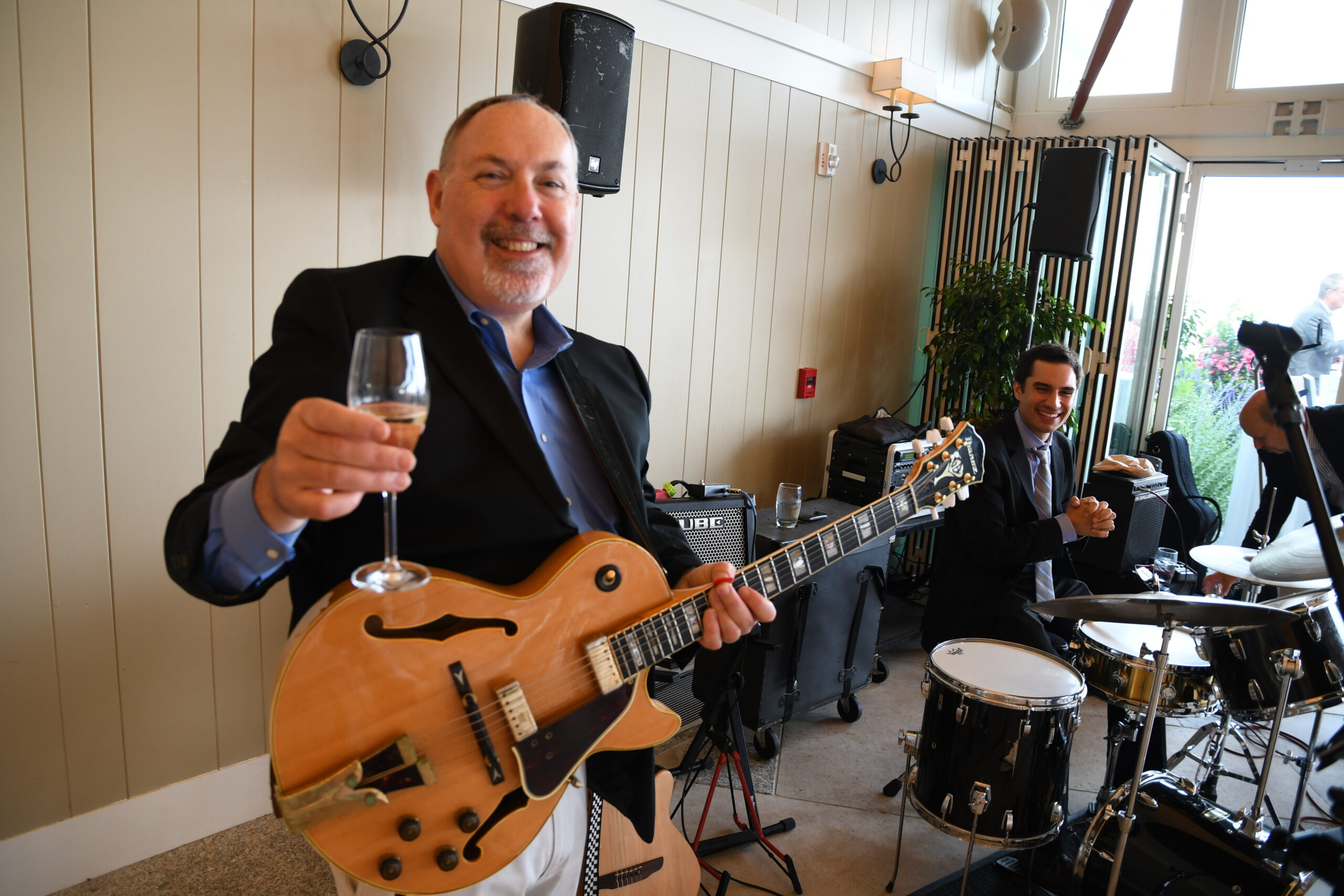 Bert Jackson performing at Oysters & Champagne in 2019.