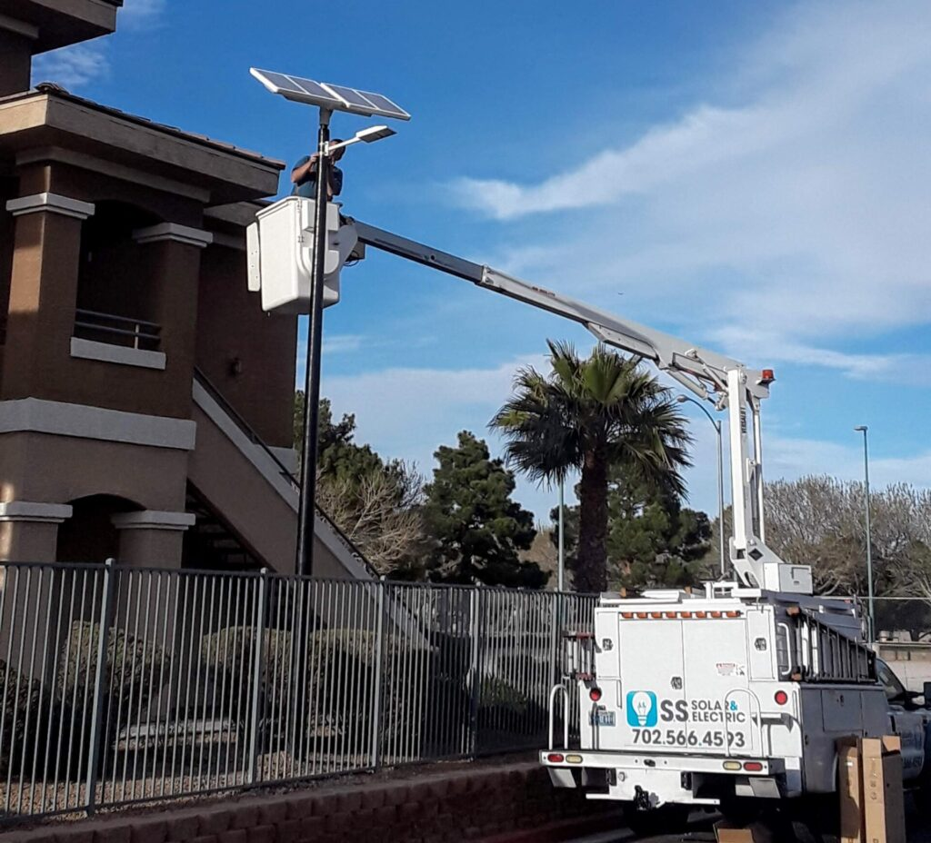 Sunna Design UP4 Solar Streetlight