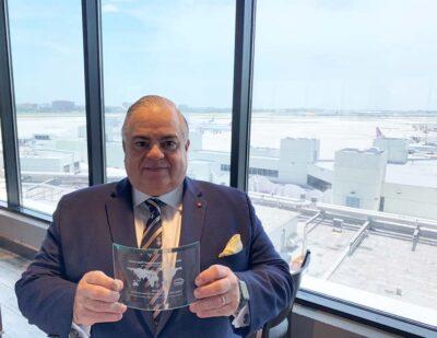 Roberto Munoz receives NASBITE Award in 2020