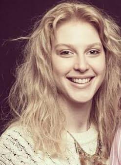 Tamara Bursztein editora de teatro y música en Lado|B|erlin.