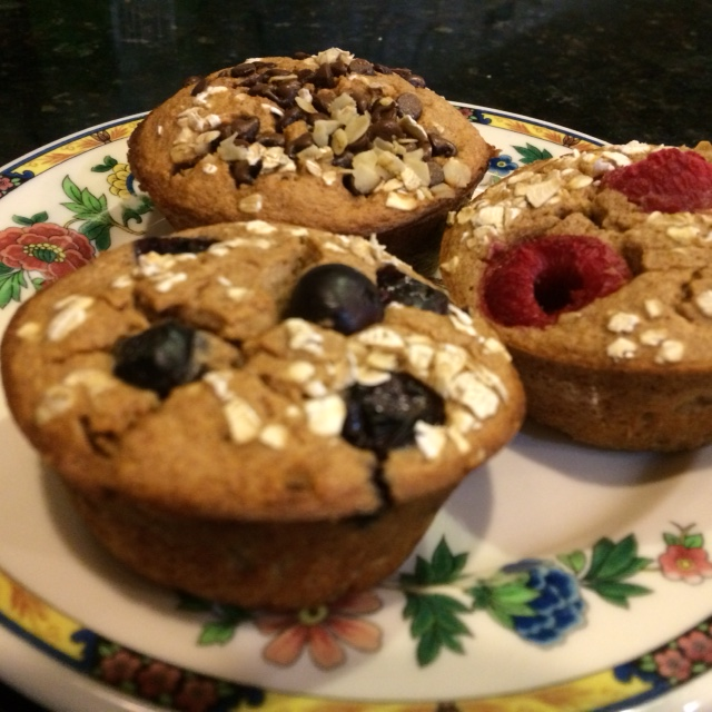 Healthy oatmeal muffins! A great breakfast to grab and run! Perfect for the 21 Day Fix Plan!