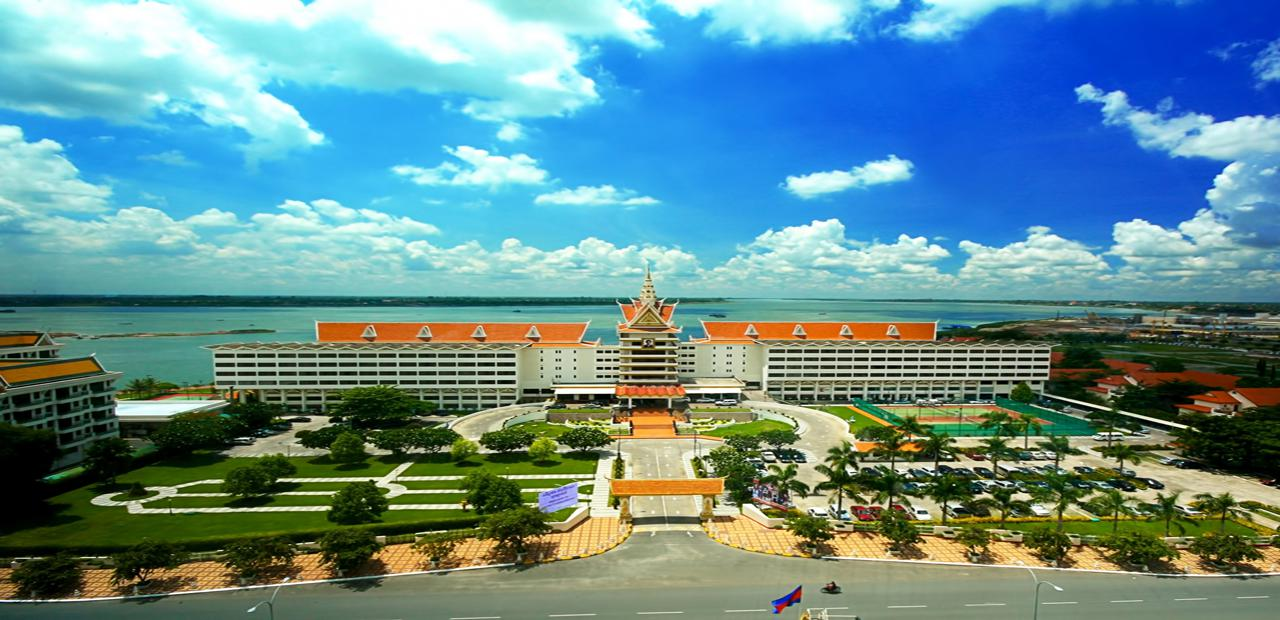 hotels in cambodia phnom penh