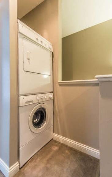 1739 N Washington St-small-050-5-Laundry-317x500-72dpi