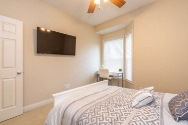 1739 N Washington Street Unit-small-019-022-Bedroom 2 En Suite-666x444-72dpi