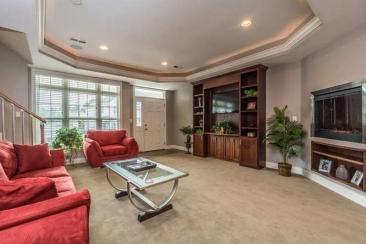 1739 N Washington St-small-012-25-Living Room-666x444-72dpi