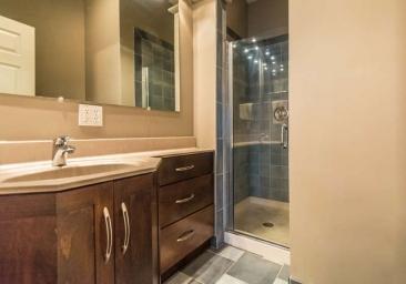 1739 N Washington St-small-051-35-Bathroom-666x467-72dpi