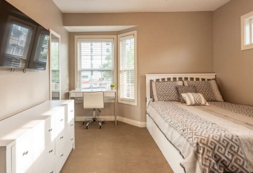 The Hamptons Townhomes Penthouse Bedroom 3