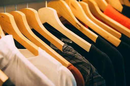 Upcycling clothing materials
