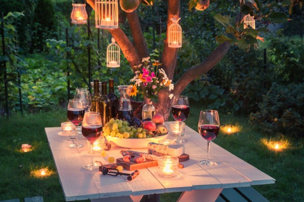 HOW TO PLAN THE MOST SPECTACULAR OUTDOOR GARDEN PARTY