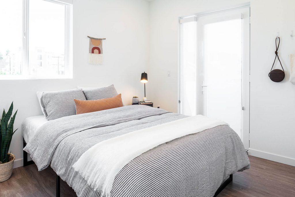 Edenhaus-Lexington-Los-Angeles-Furnished-Apartments-bedroom