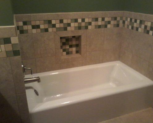 Hamilton hall bath with tile