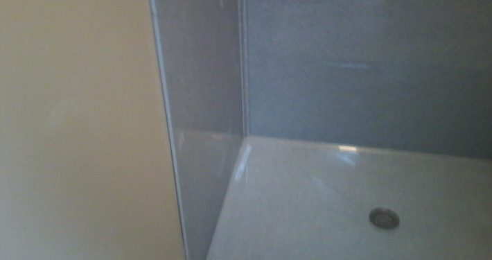 Onyx Shower Surround to ceiling 4