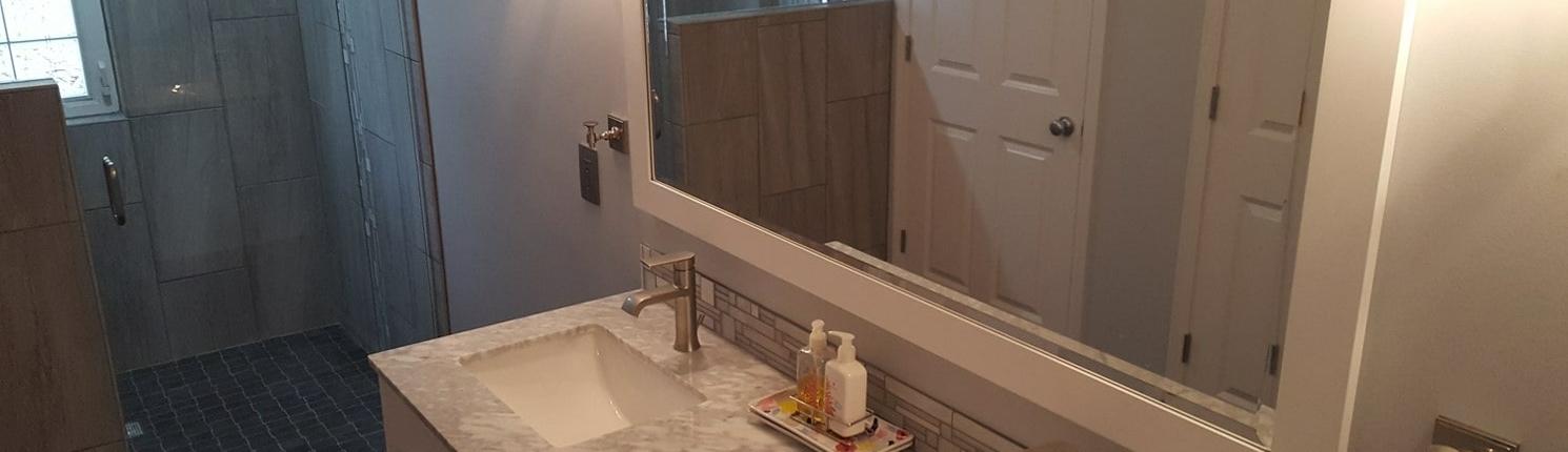 Stone and tile bathroom lavatory