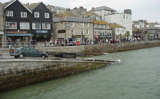 Issue 224: 2019 11 21: St Ives in Winter A community