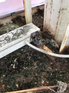 Damaged-HO-T12-Sign-Cabinet-1