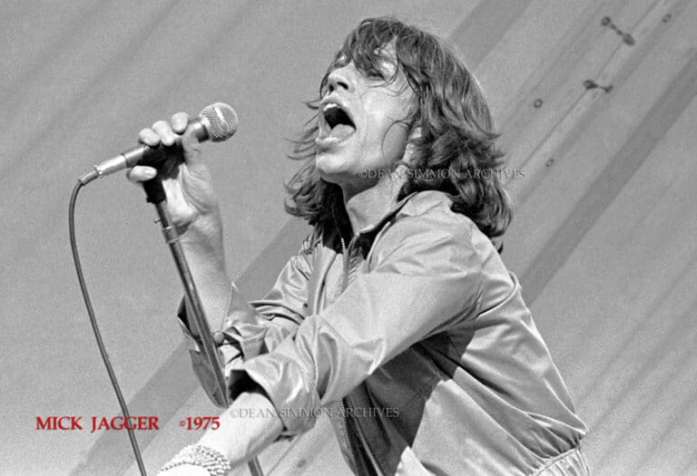 """MICK JAGGER ,THOSE FAMOUS LIPS FLAPPING, ON THE STONES 1975  """"TOUR OF THE AMERICAS"""" WORLD TOUR, COMING THROUGH MILWAUKEE ON JUNE 8TH, 1975."""