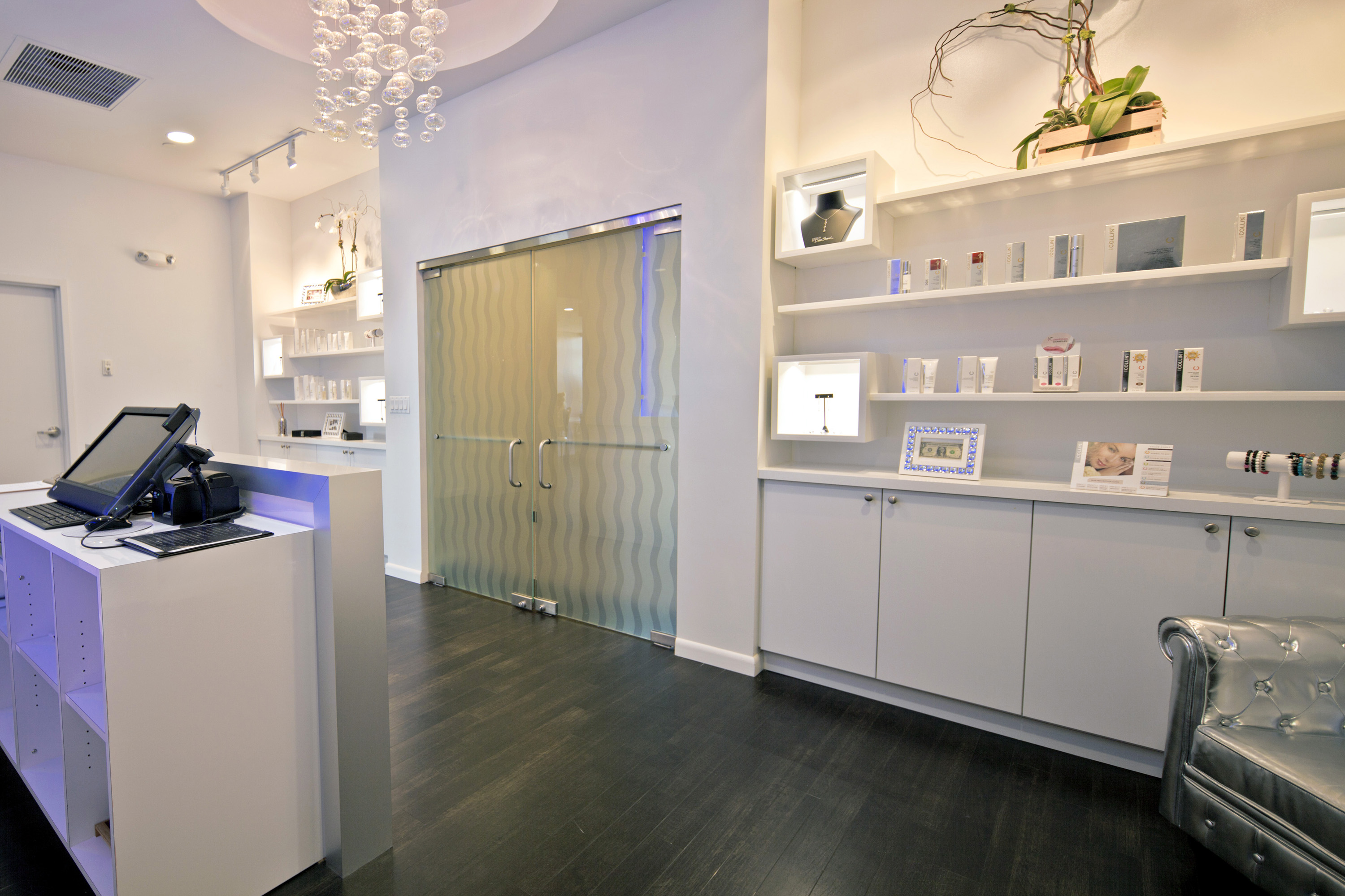 Spa / Bar (Commercial Space)
