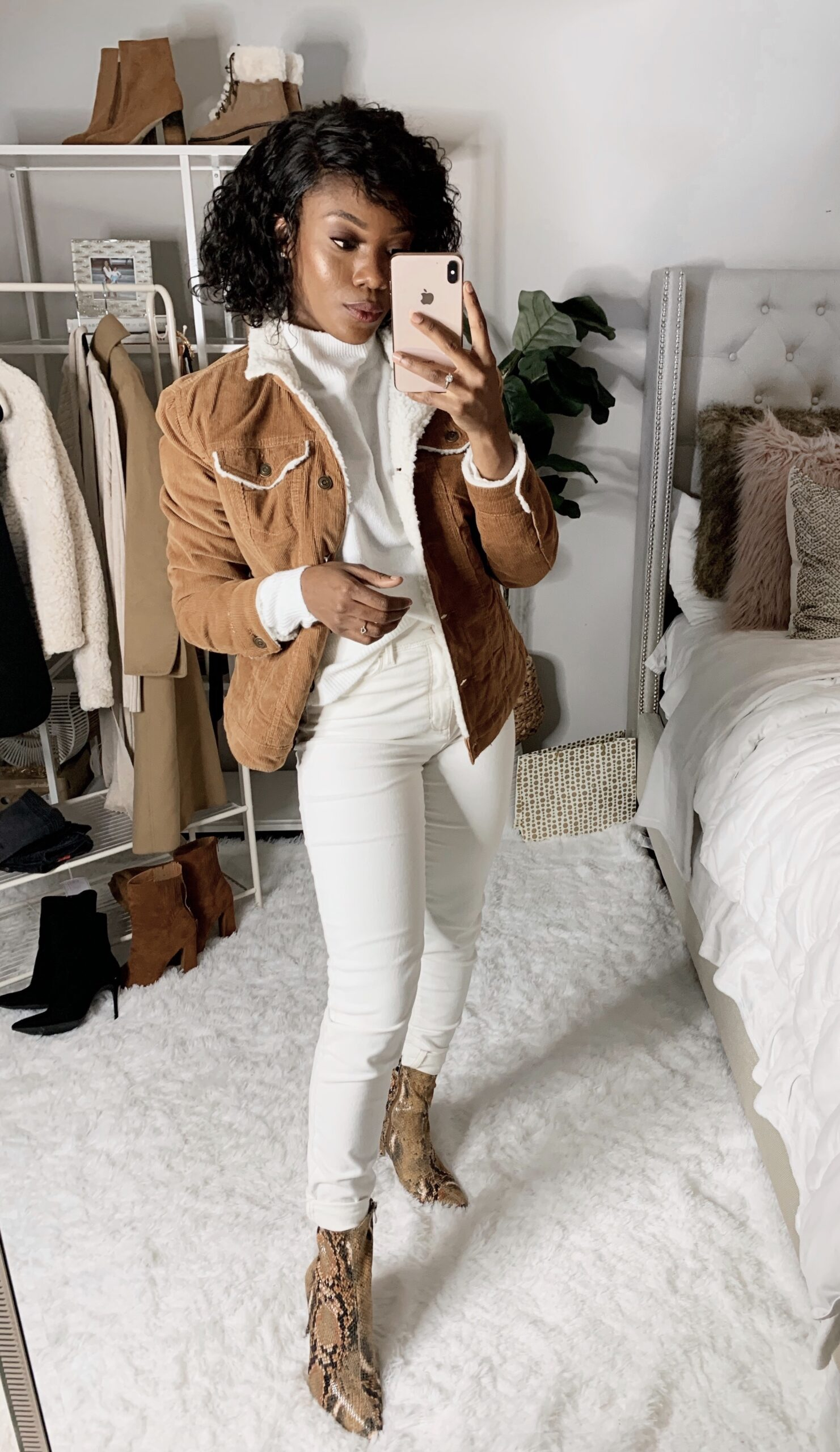 Bougie on a budget. The perfect way to look at Spencer without breaking the bank, all white went to look
