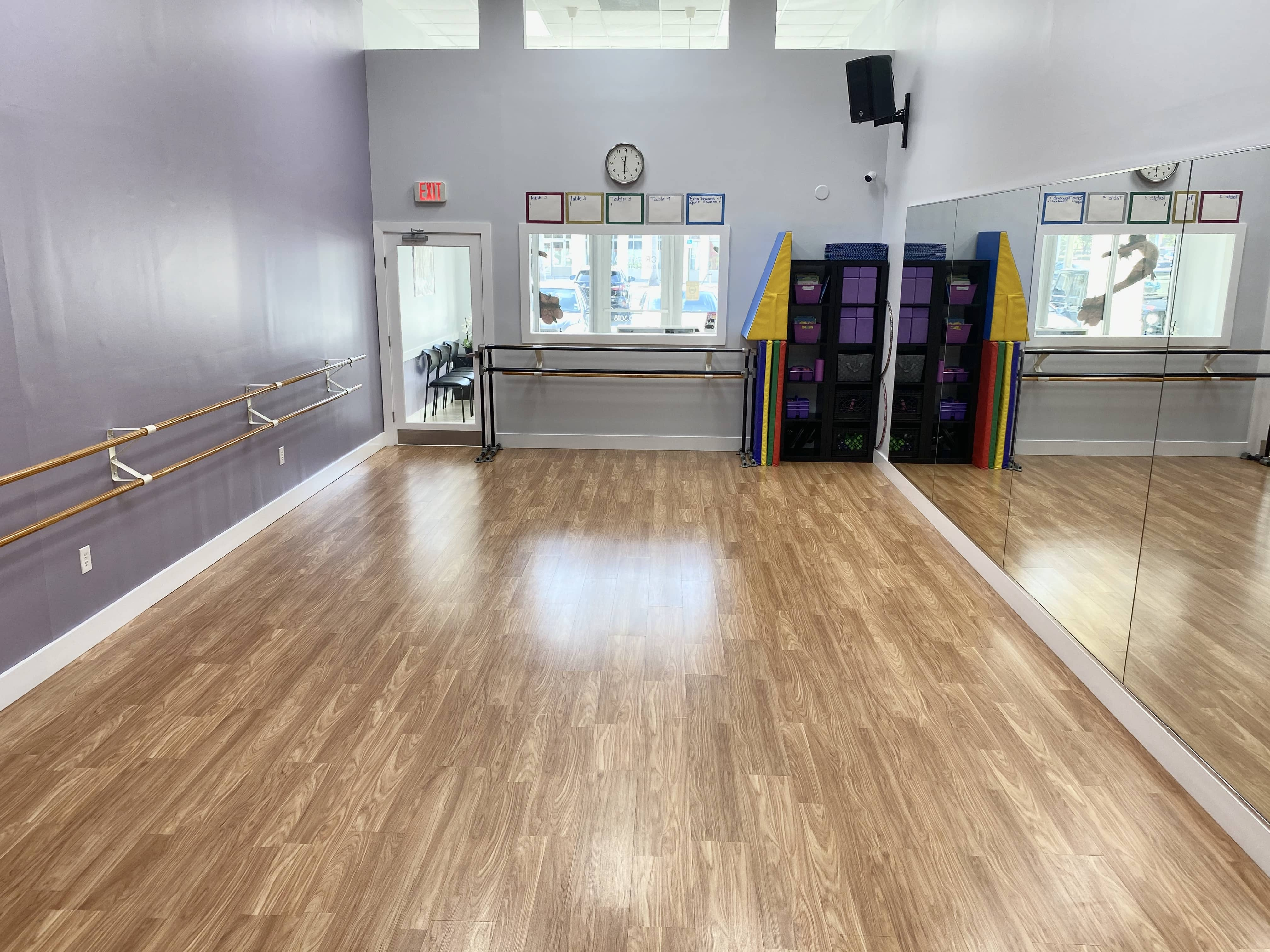 Another angle of inside of Creativo Dance Studio on 82nd Avenue facing the front of the studio