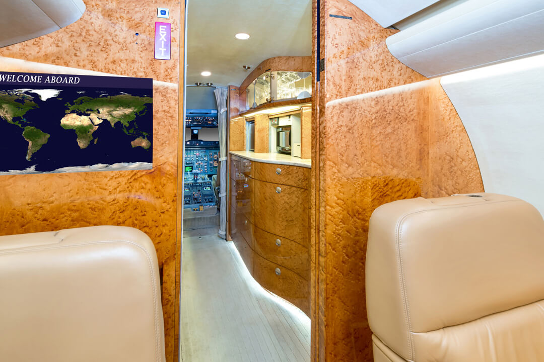 1990 Bombardier Challenger 601-3A (interior)- For Sale