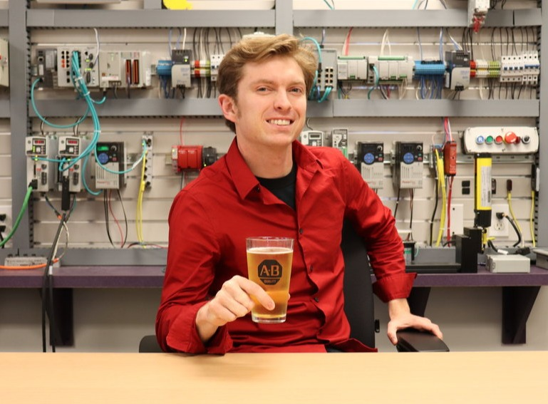 47: From Mechanical Engineering Major to Tech Sales & Marketing at Rockwell Automation w/ Chris Luecke