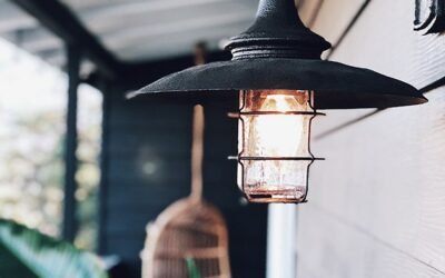 6 Must-Have Outdoor Light Fixtures for 2019