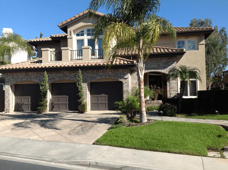 Exterior Color Compliments Brick & Roof Tile