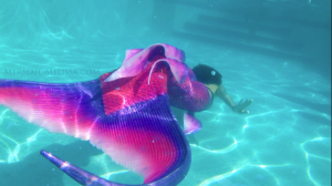 MERMAID MELISSA PINK TAIL UNDERWATER POOL