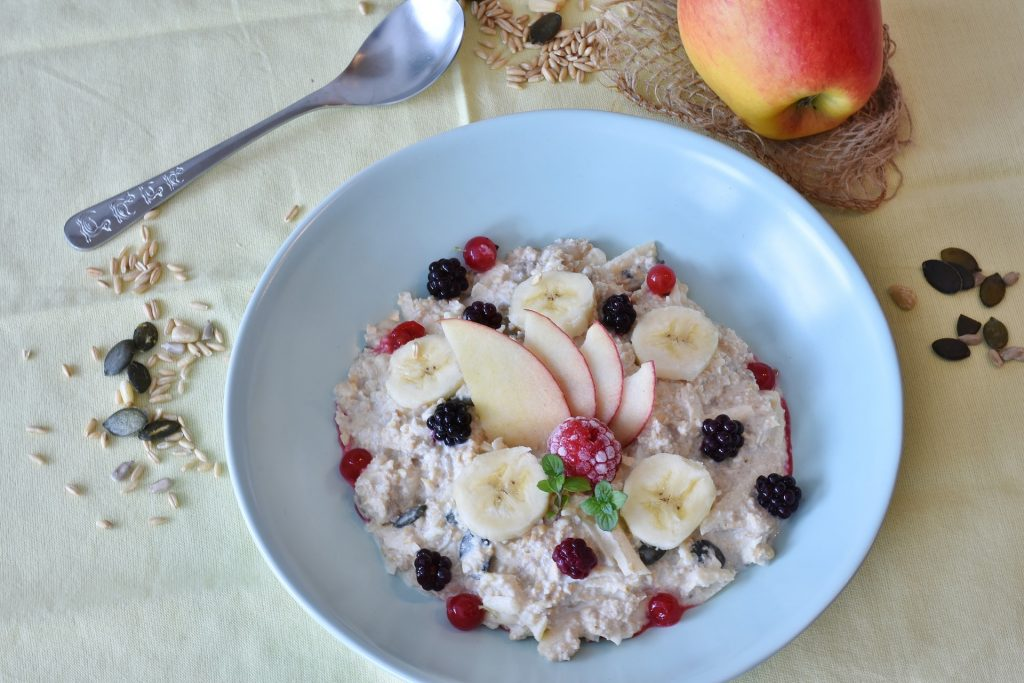 a bowl of oats and fruit for overnight oats