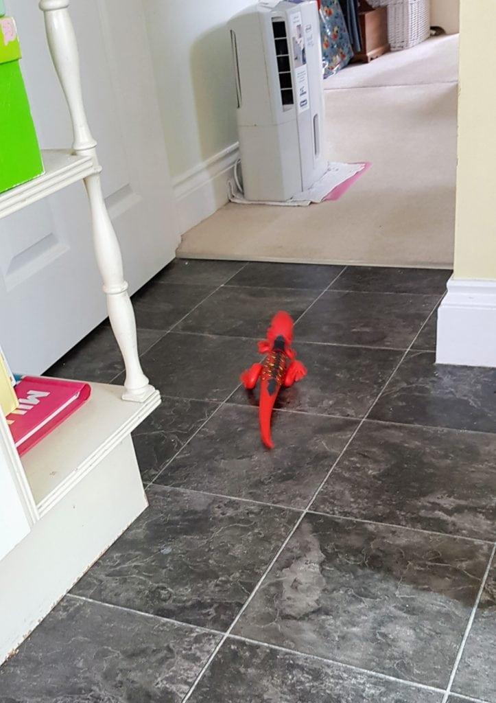 Robo Alive Lizard Zuru Toys