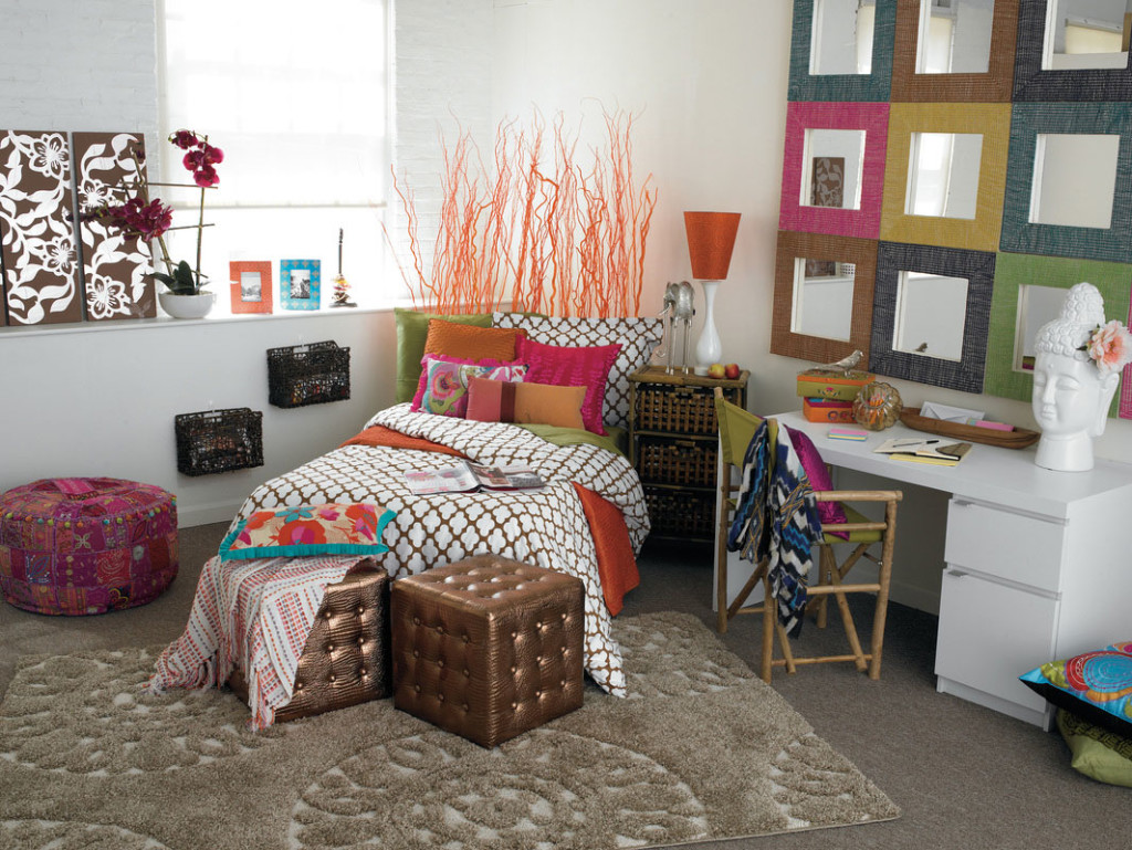 colorful-wall-shelf-cool-bedroom-designs