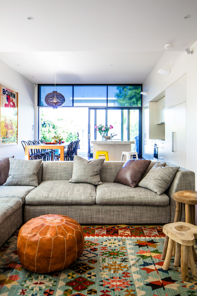 Delightful-Living-Room-Contemporary-design-ideas-for-Apartment-Size-Couches