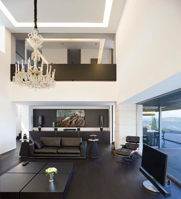 Open-Plan-Living-Room-with-Beautiful-Vista