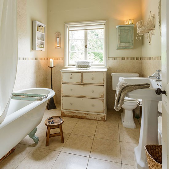 Cream-Shabby-Chic-Bathroom-Style-At-Home