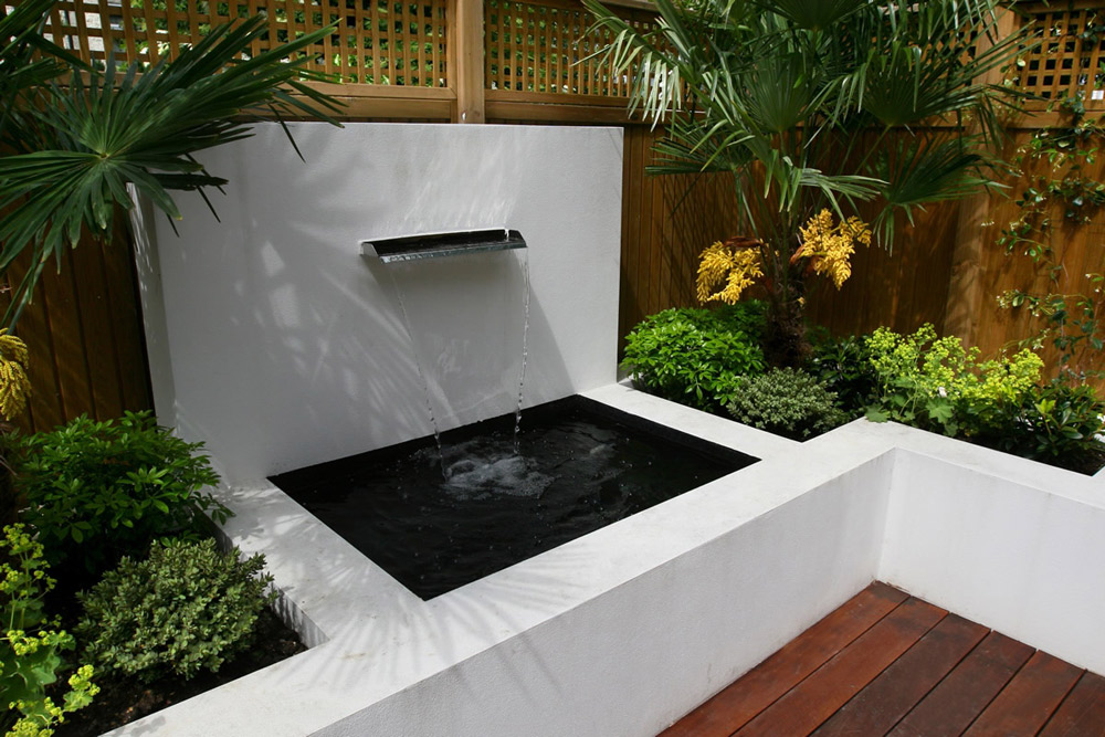 Small-garden-ideas-waterfall
