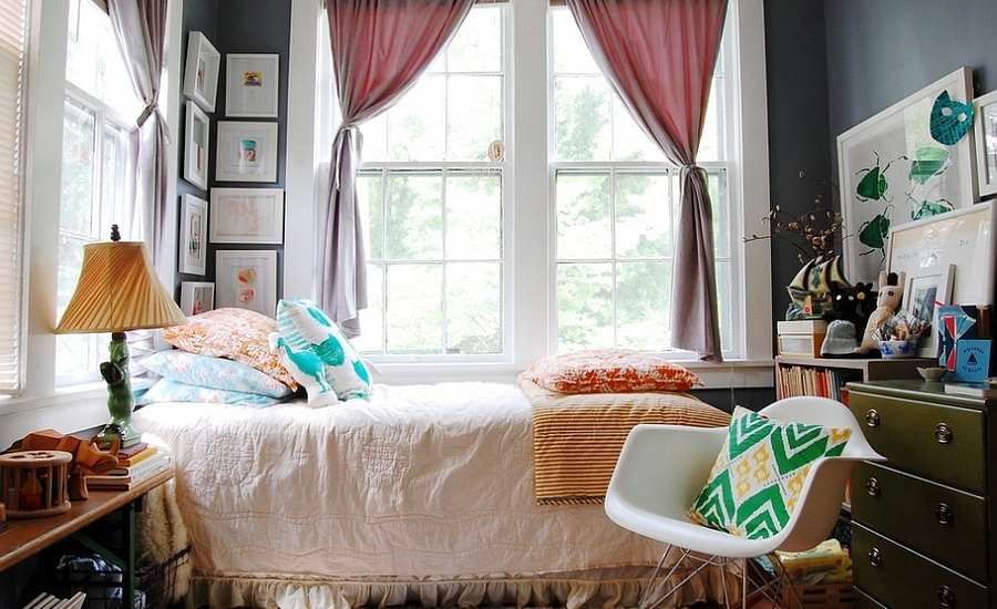 A-touch-of-midcentury-modern-in-the-gorgeous-bedroom