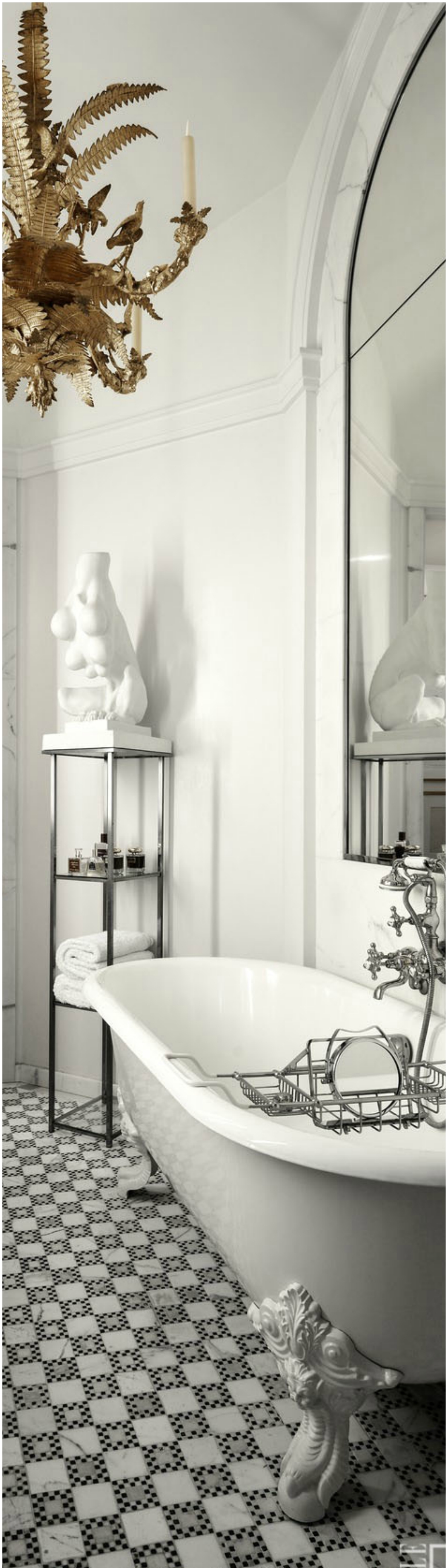 Beautiful Eclectic Bathtub Design dwellingdecor