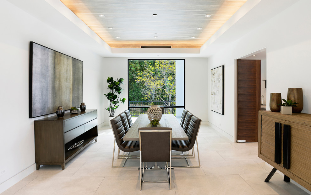 Contemporary House Dining Area with a view dwelligdecor