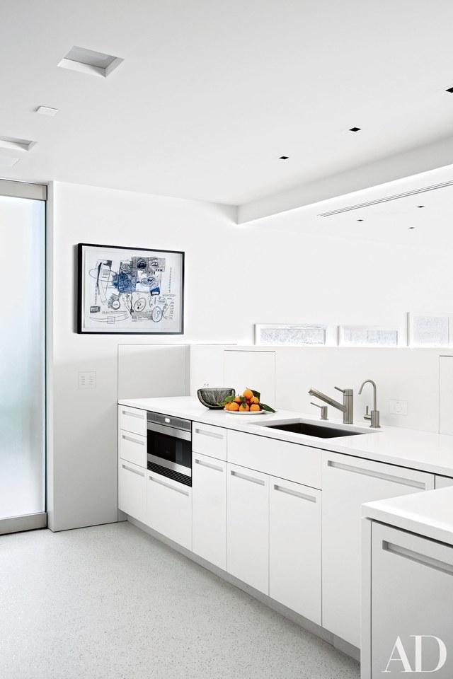 Simple and Sleek White Kitchen Cabinet Dwellingdecor