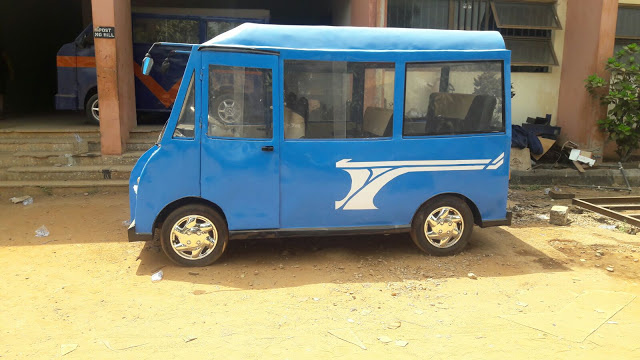 Photo of Nnamdi Azikiwe Students Construct A Bus
