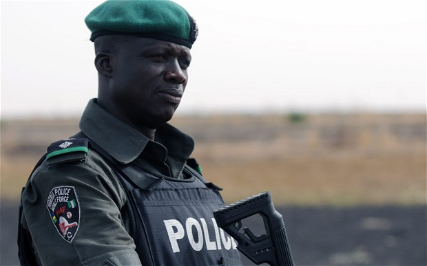 Photo of Policeman Sanctioned for Demanding N2000 from Newspaper Vendor