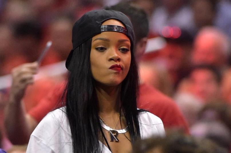 Photo of Rihanna Sued By a Nigerian Company