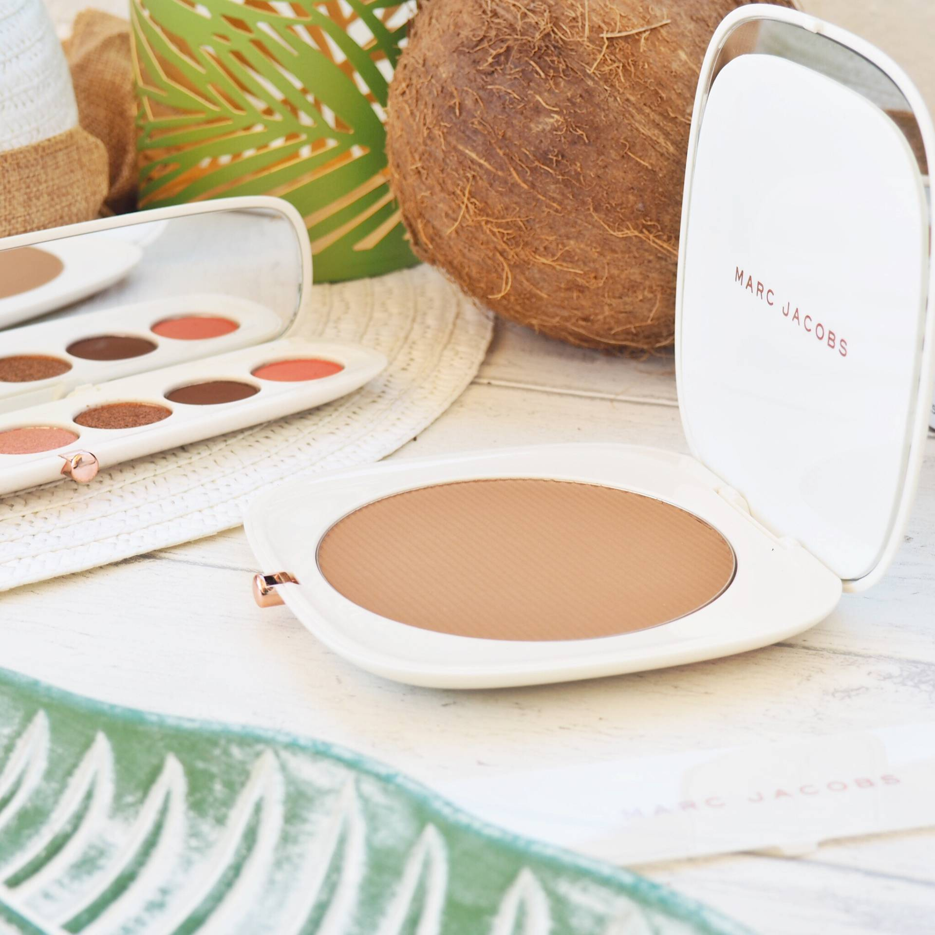 O!Mega Bronzer Coconut Perfect Tan by Marc Jacobs Beauty #22