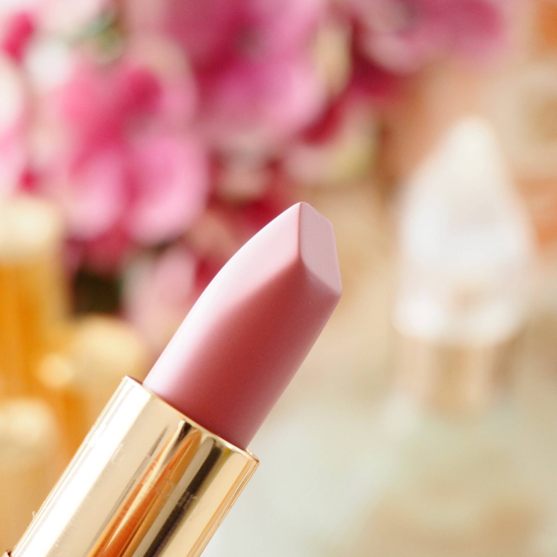 Charlotte Tilbury Between The Sheets Lipstick