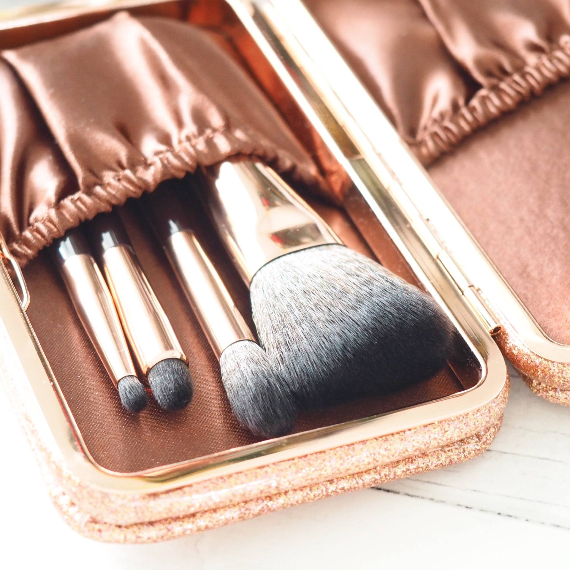 Charlotte_Tilbury_Magical_Mini_Brush_set