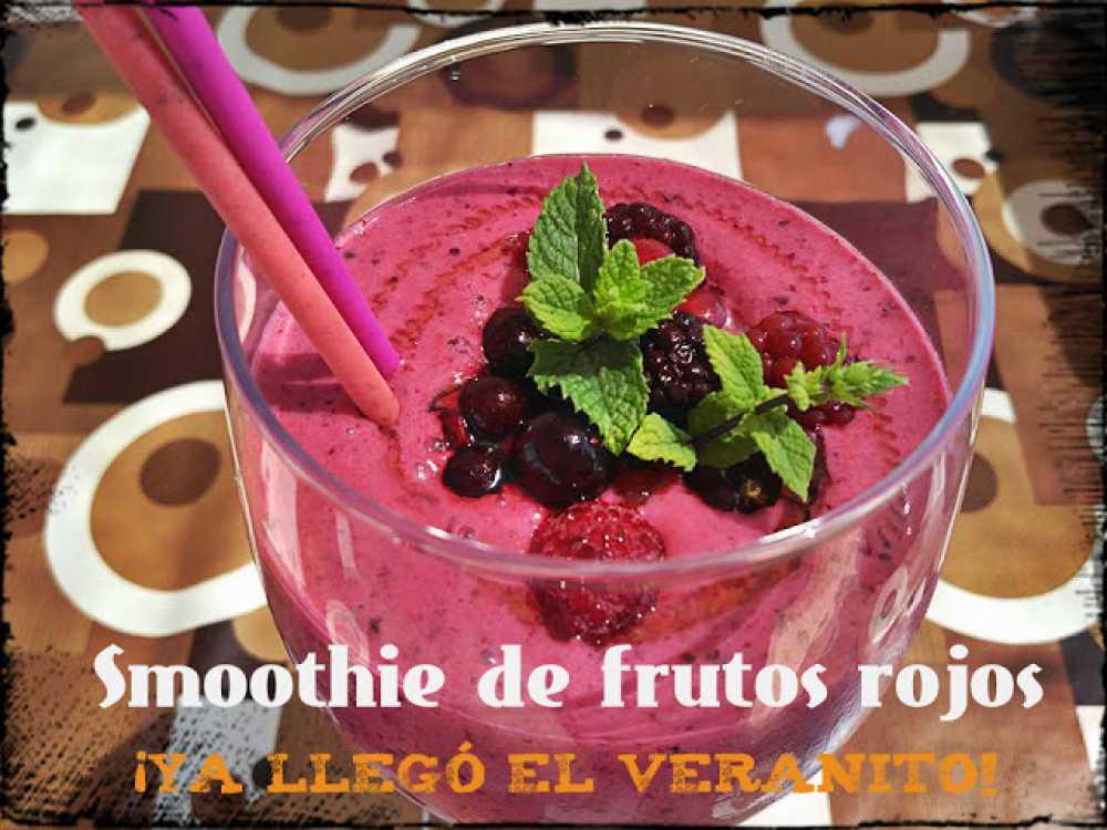 smoothie de frutos rojos fácil