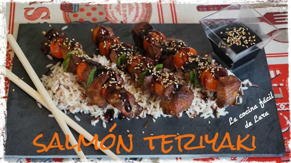 brochetas de salmón teriyaki