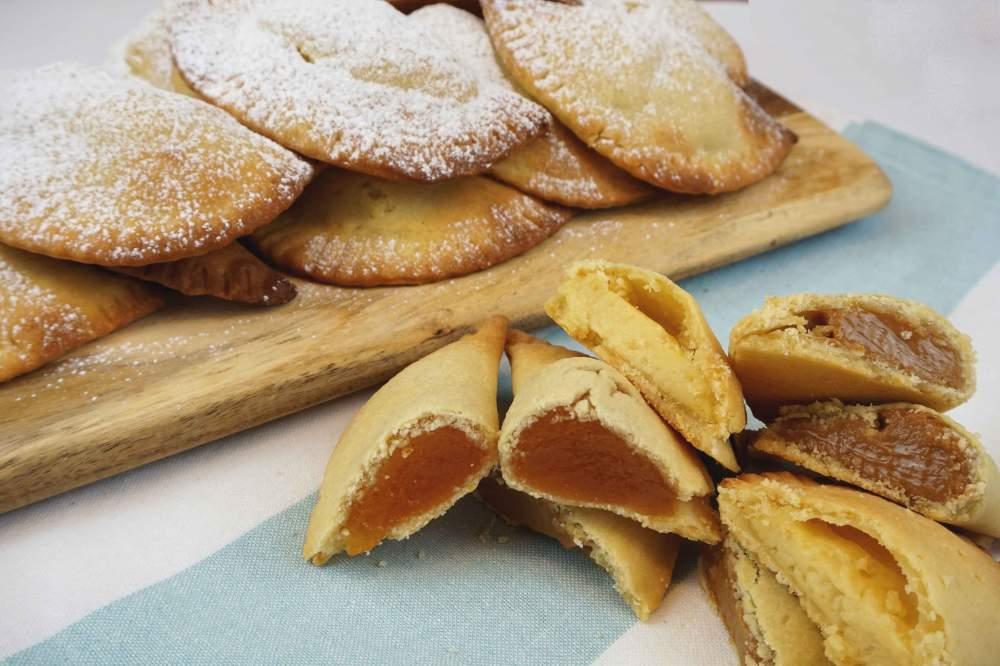 robiols de mallorca o empanadillas dulces