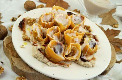 Pasta de calabaza rellena de pavo del thanksgiving